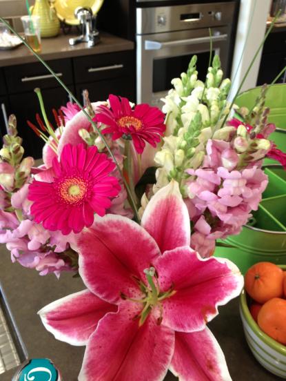 Simple & Stylish Entertaining Flowers