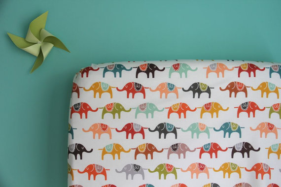 fitted crib sheet in colourful elephants