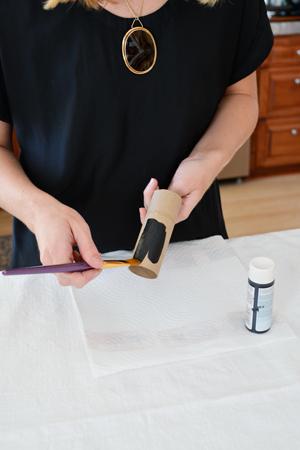 paint-toilet-paper-roll