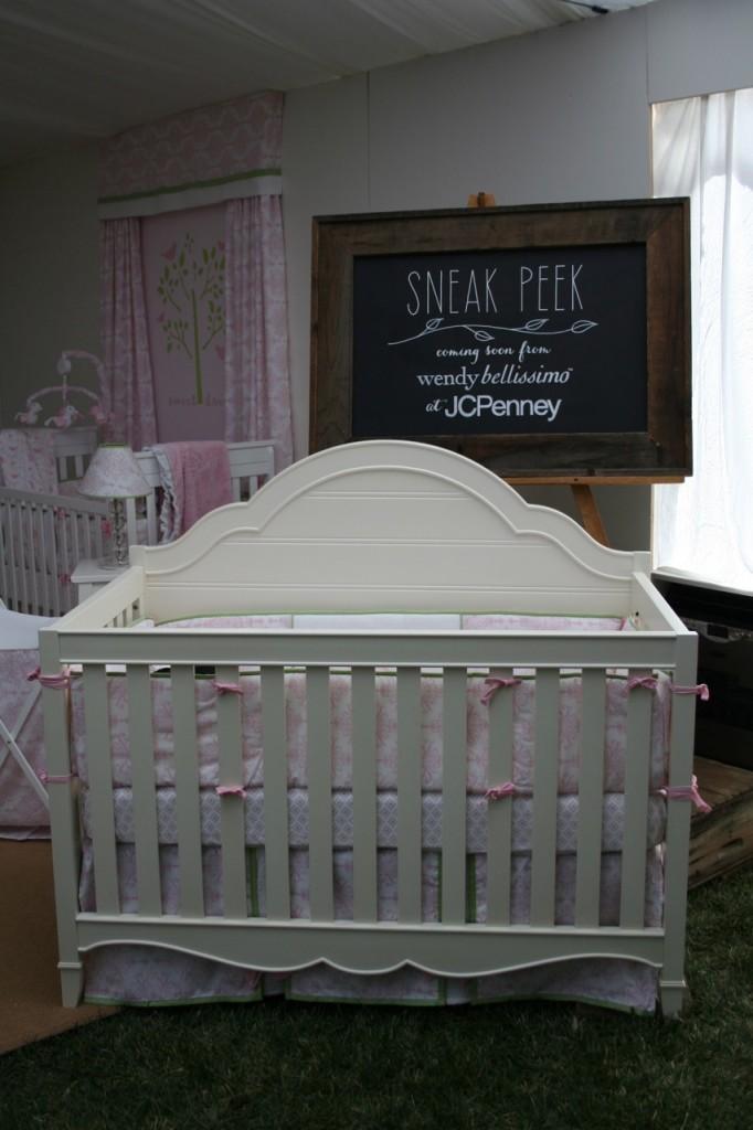 sneak crib