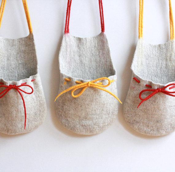 Set of 3  natural wool hanging baskets