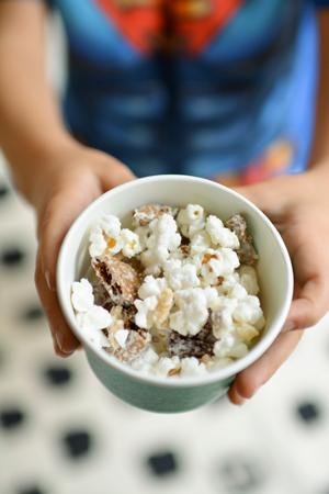 holiday-popcorn-snack-mix-recipe