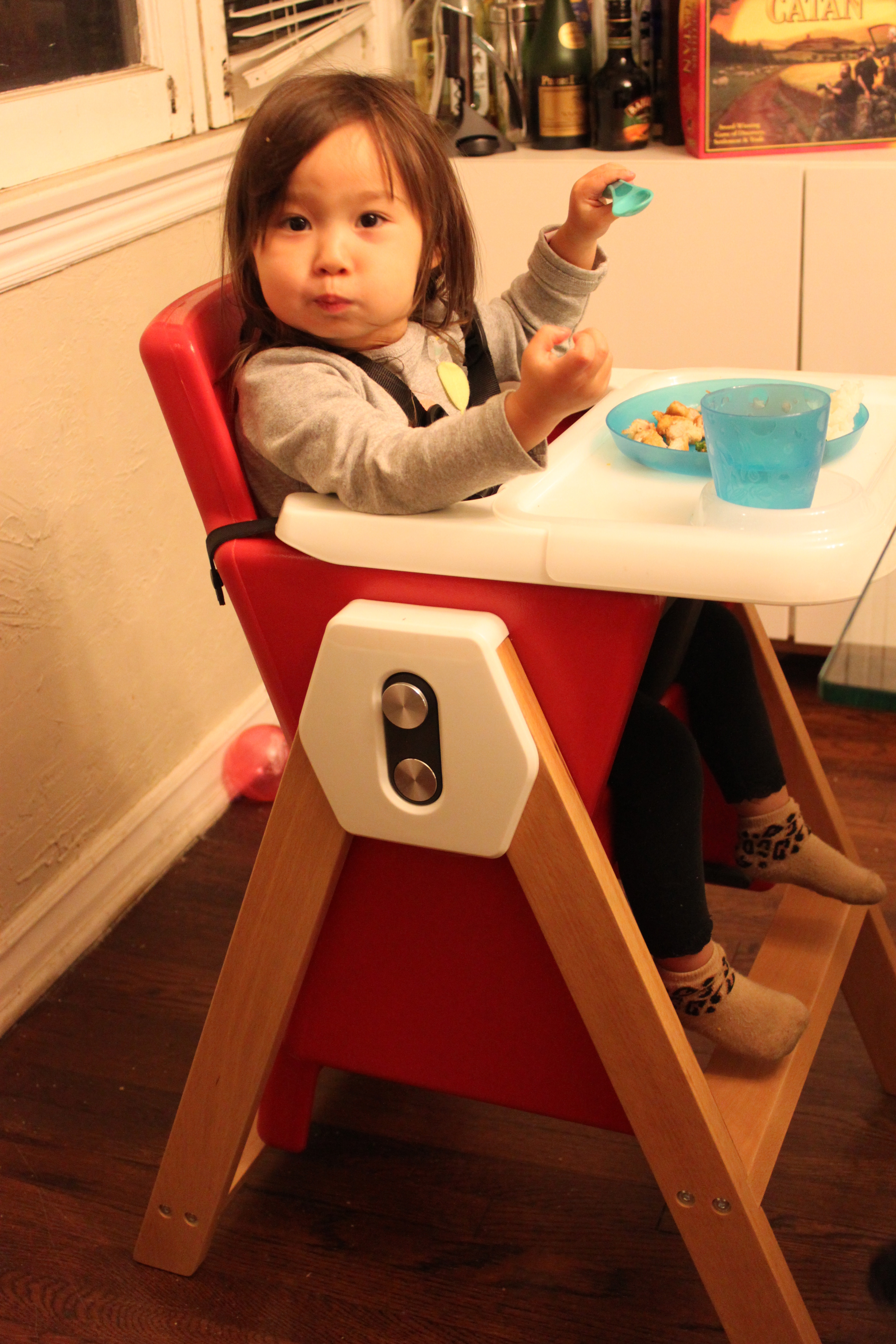 Joovy HiLo high chair and Boob bottle review Savvy Sassy Moms