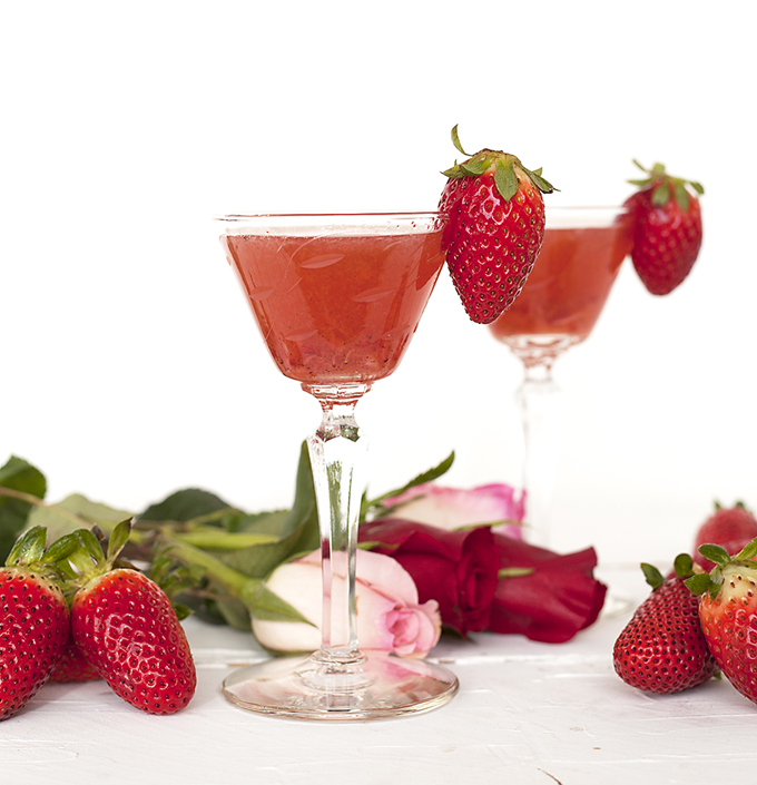 strawberry bourbon cocktail for valentines day
