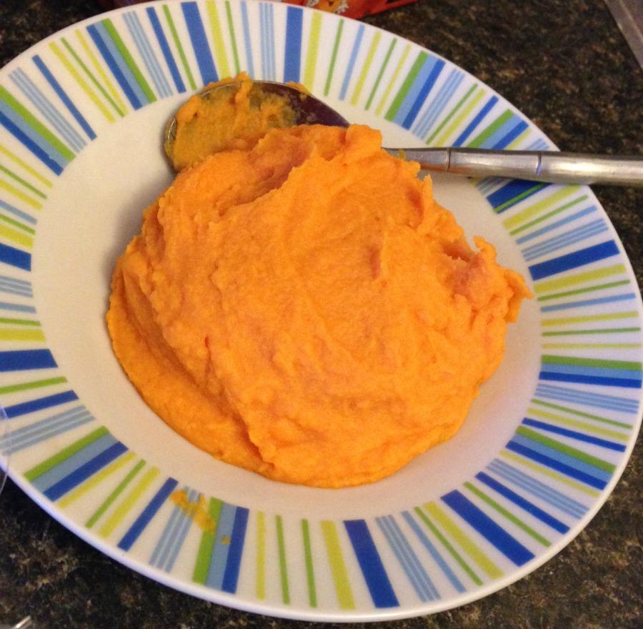 Gorgeous carrot puree ready to freeze!