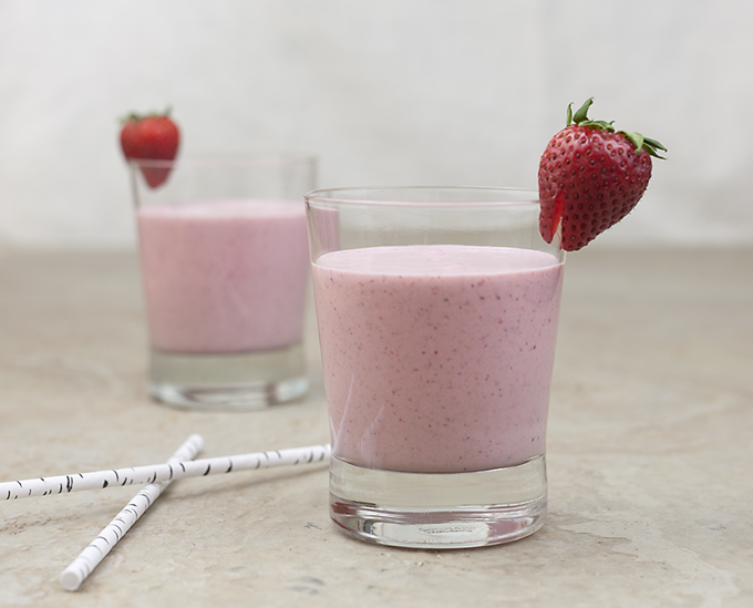 creamy strawberry banana smoothie