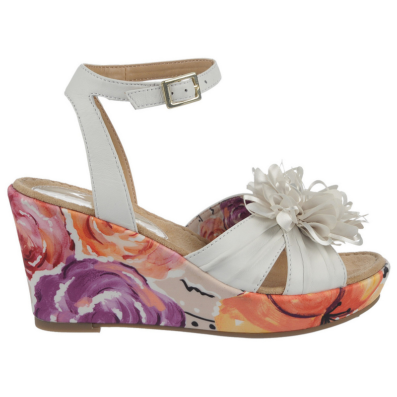neila by bromstad for naturalizer wedge