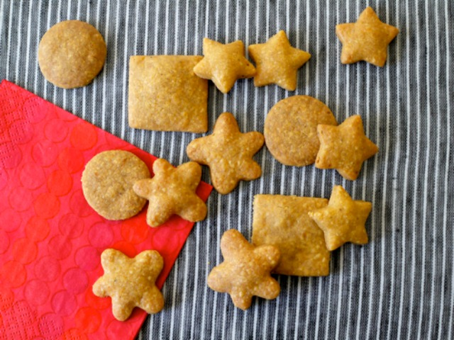 Weelicious_Whole-Wheat-Cheddar-Wafers