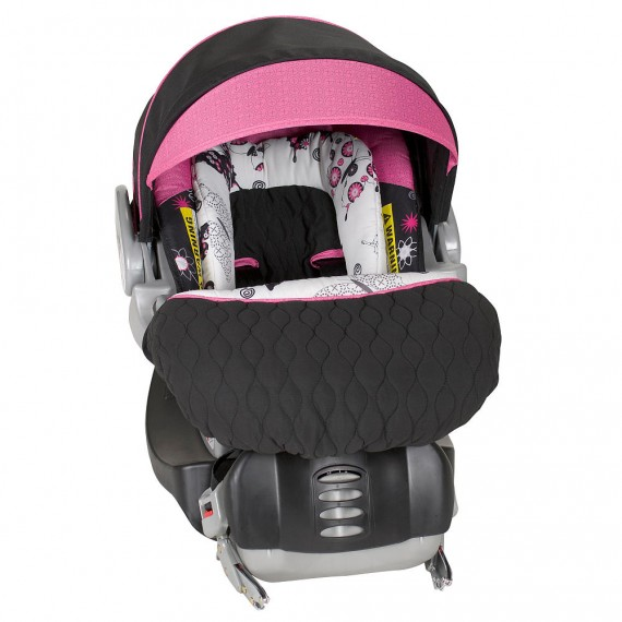 the best infant car seat for your family savvy sassy moms. Black Bedroom Furniture Sets. Home Design Ideas