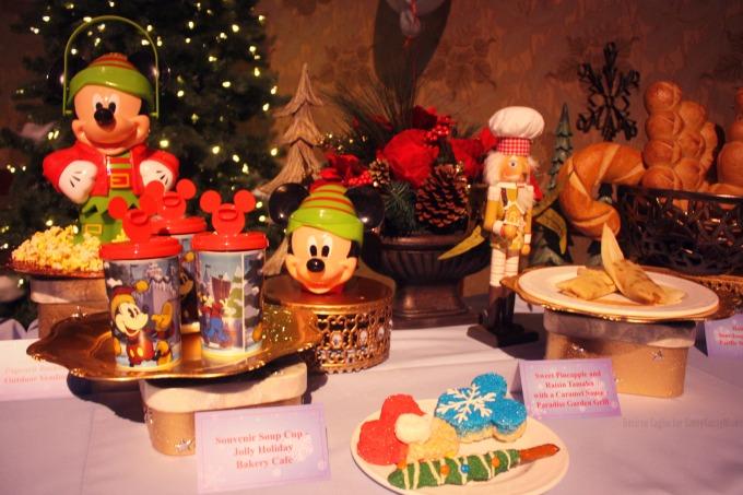 Holiday Food at Disneyland #DisneyHolidays