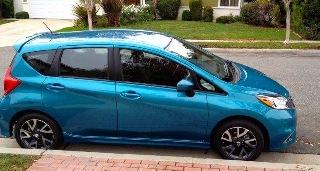 arriving in style at the voice in a nissan versa note savvy sassy moms. Black Bedroom Furniture Sets. Home Design Ideas