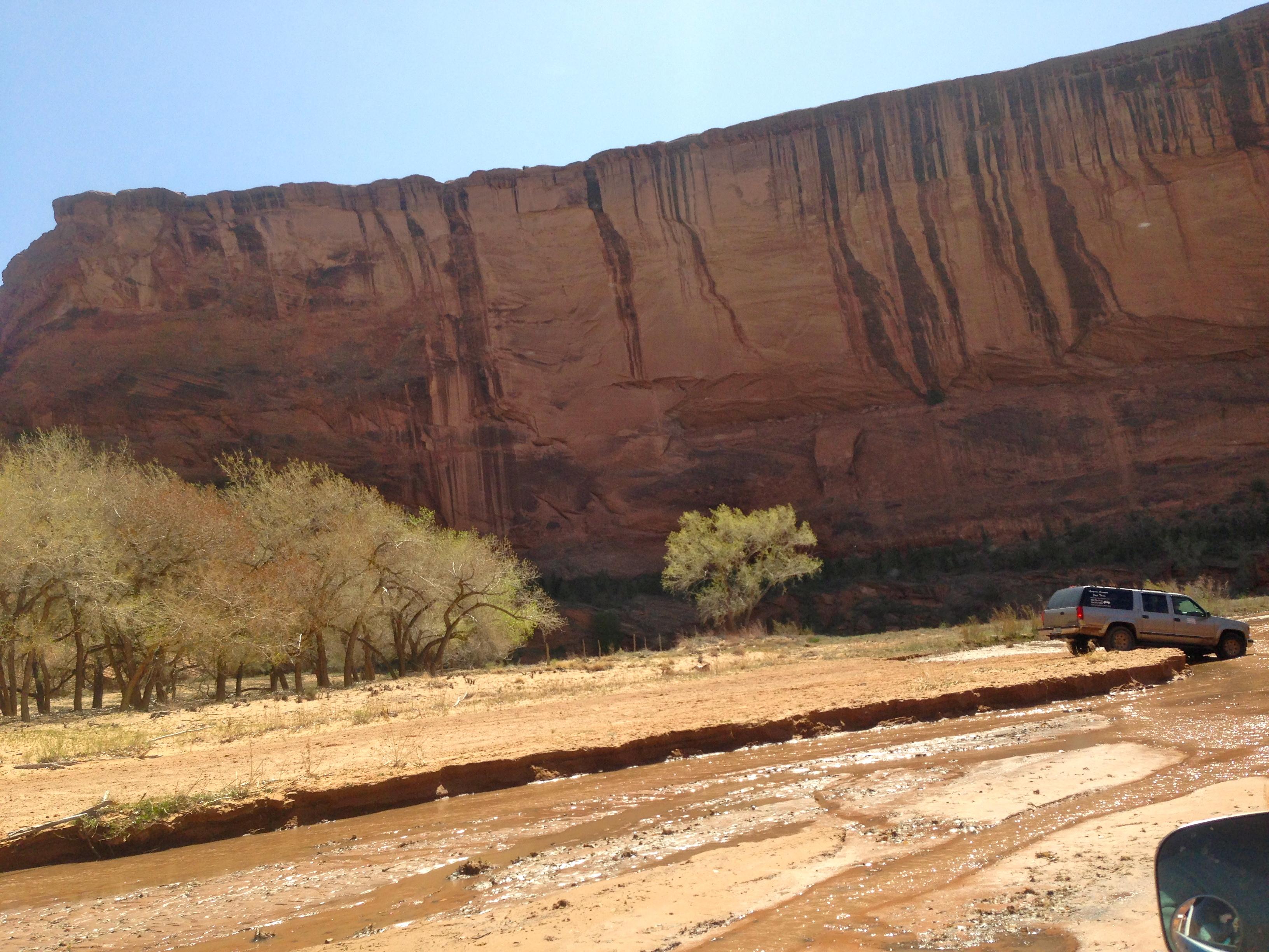 Jeep tours through Canyon de Chelly in Arizona