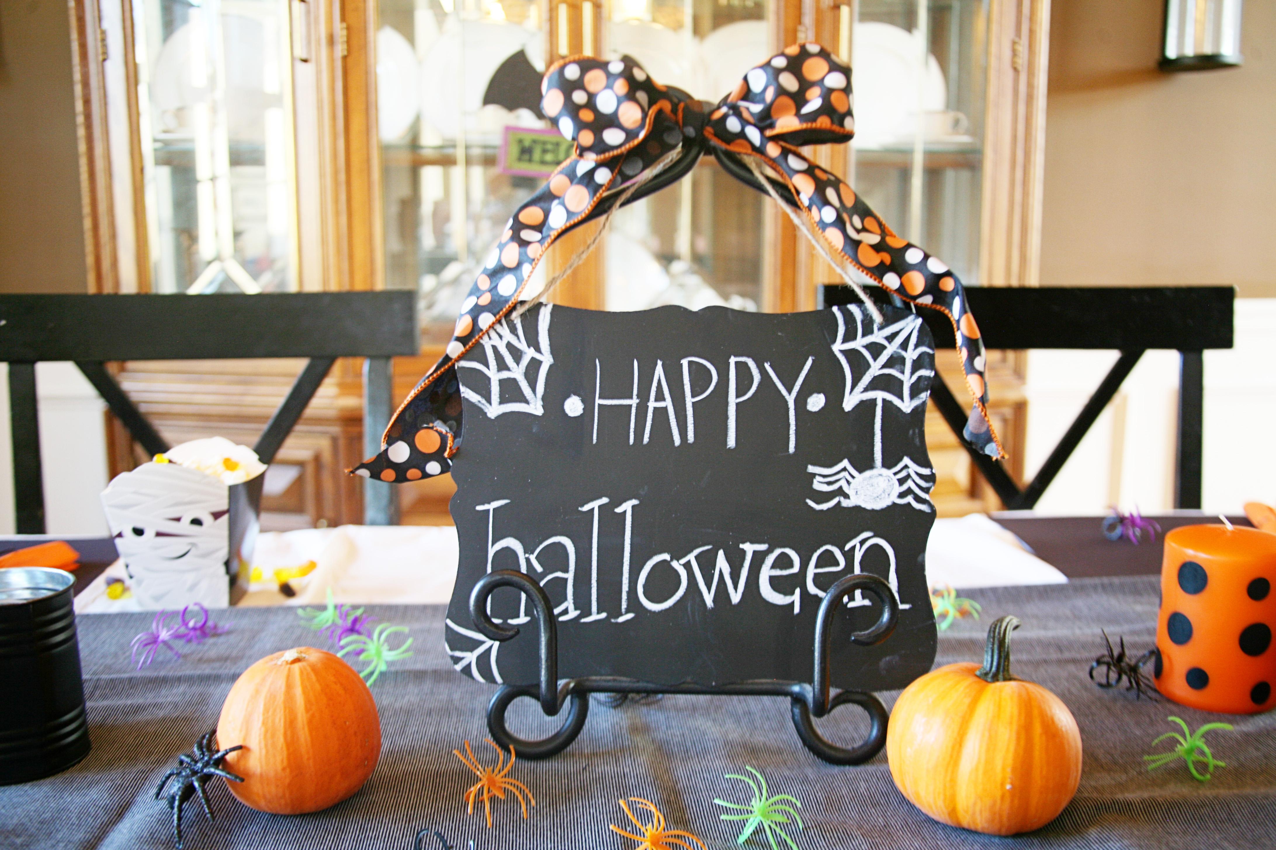 Throw a Halloween Dinner