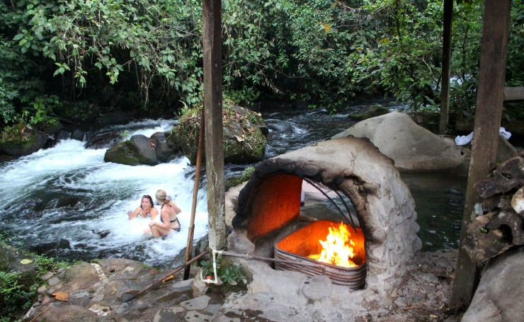 La Carolina Loadge Natural Jacuzzi and River Wanderlust Living