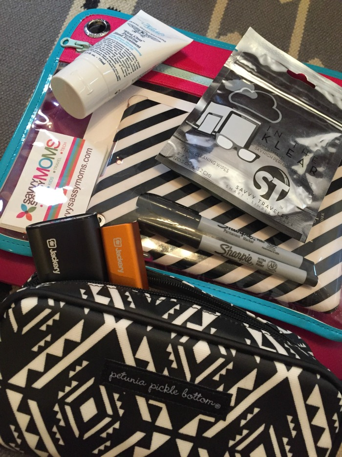 Savvy Travel packing your carry on Savvy Sassy Moms