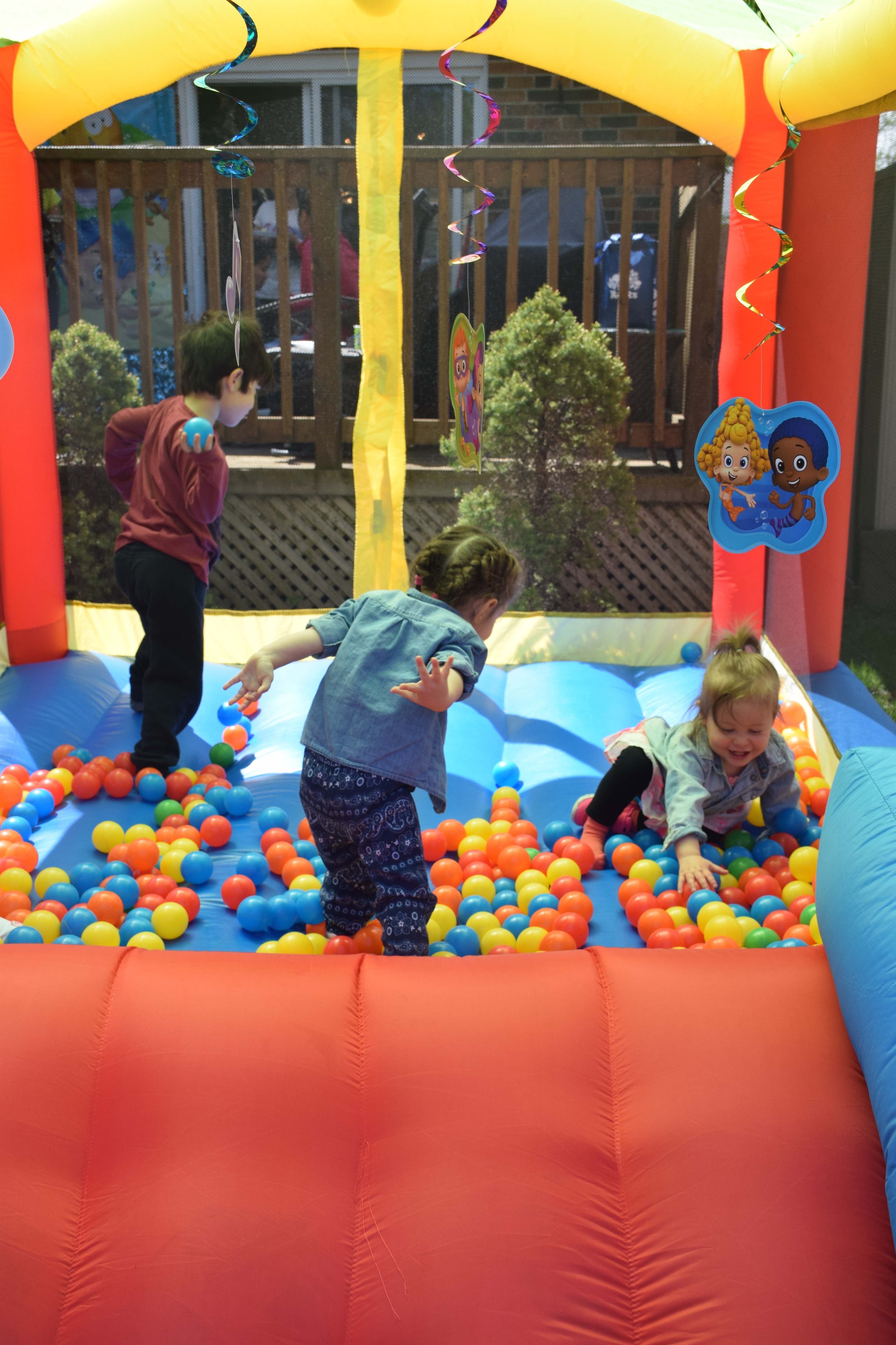 How to Throw a Bubble Guppies Birthday Party