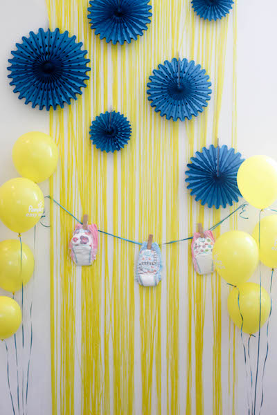 Adorable Diaper Photobooth for a Party or Baby Shower #PampersEasyUps #ad