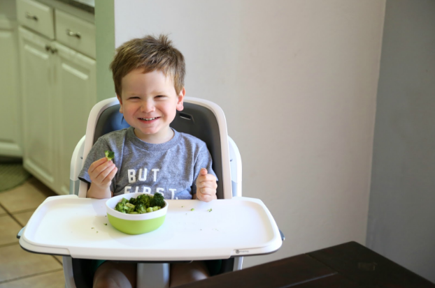 All about the new 4moms magnetic high chair