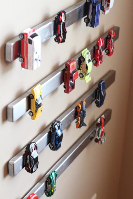 IKEA GRUNDTAL magnetic knife rack