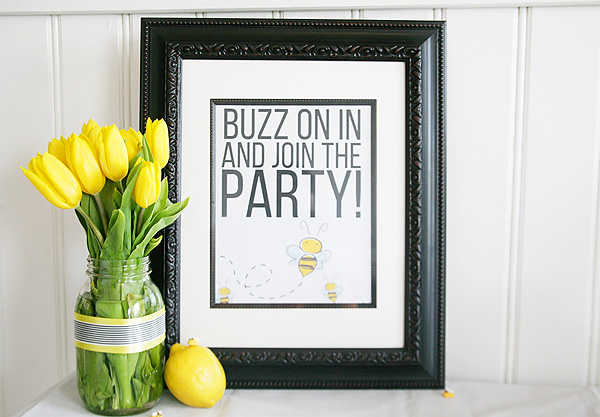 Bee party welcome sign & free printable