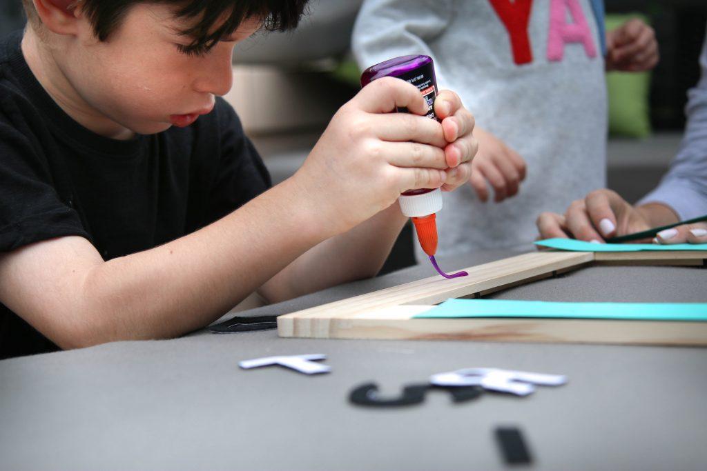 Elmer's Purple Disappearing School Glue