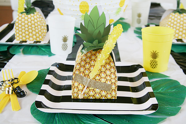 Pineapple party table setting.