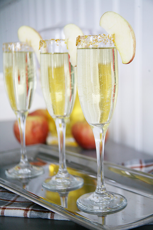 Apple Cider Mimosa Recipe for fall entertaining